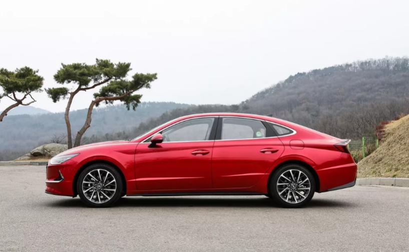 2020 Hyundai Sonata Driving
